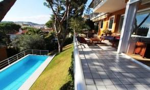 Casa con vistas al mar. Vender casa